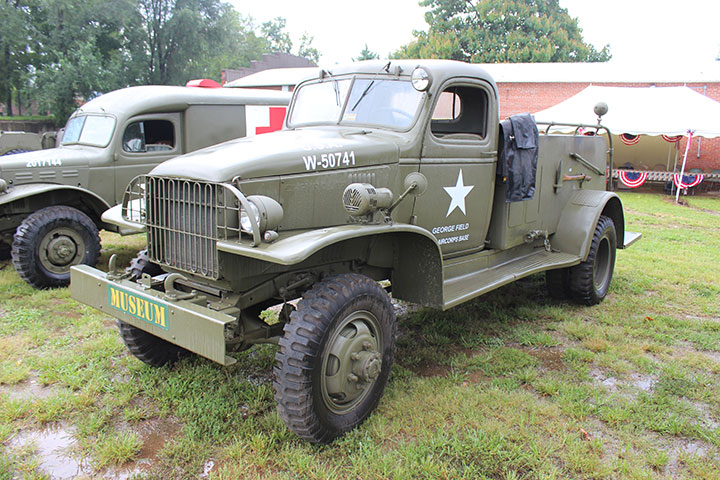 Chevrolet on gmc 2 ton truck